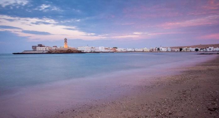 Omán bez cestovky: Západ slunce v Sur, Omán