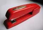 240Px-Stapler-Swingline-Red-2