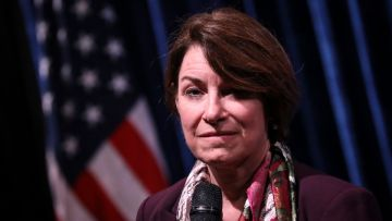 Dem Sen. Klobuchar Had Declined to Prosecute Floyd's Killer