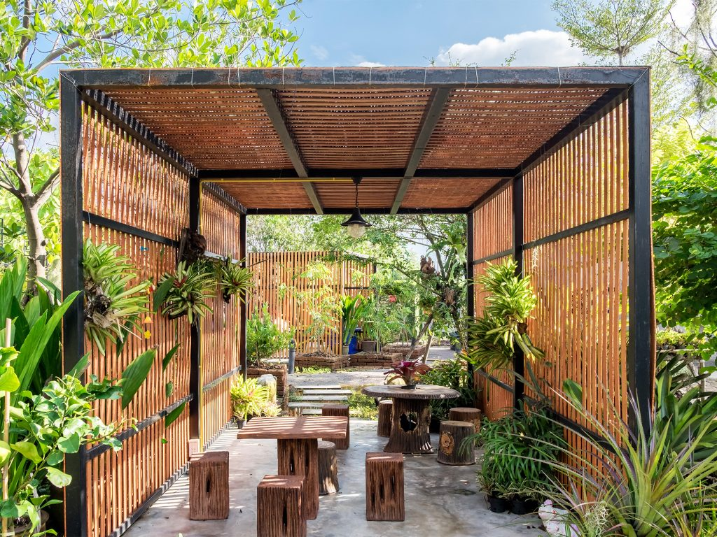 Tropical Garden Design Ideas To Inspire Your Outdoor Space