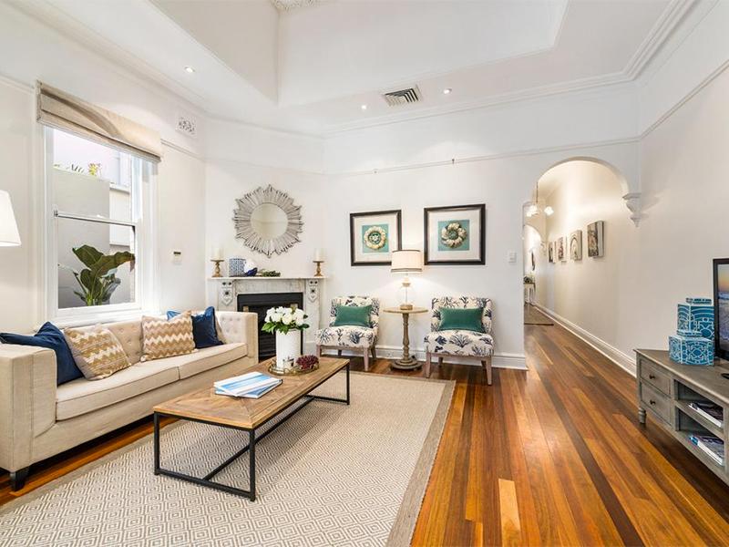 House Designs Photos & Decorating Ideas