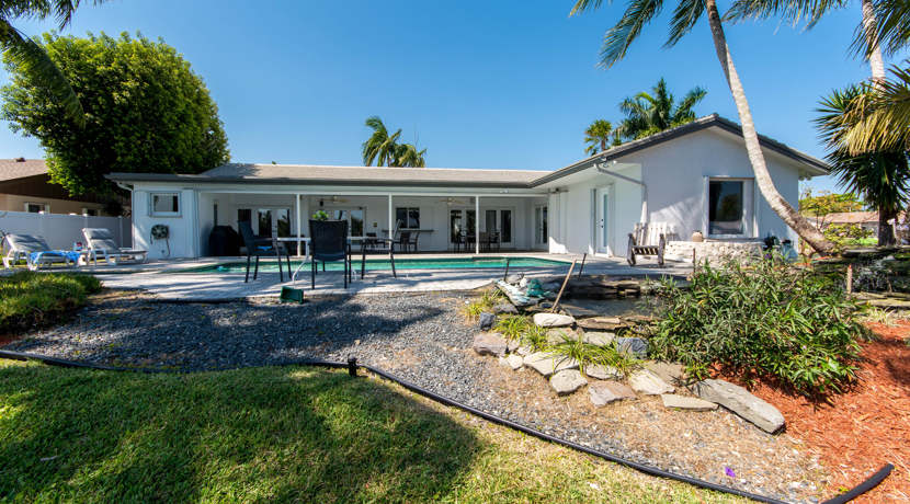 Waterfront-Pool-Home-Cooper-City-7