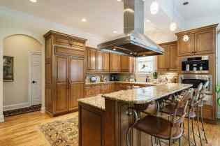MoreRealEstate-2116Duskywing_013_Kitchen