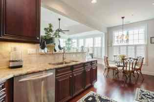 016_10410 Sablewood by MORE Real Estate Group Kitchen