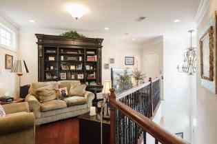 018_10410 Sablewood by MORE Real Estate Group Loft