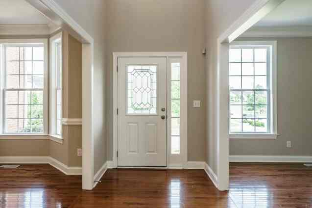 003 - 201 Powers Ferry Presented by MORE Real Estate_Foyer