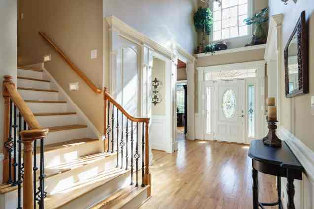003 - 205 Settlecroft Presented by MORE Real Estate_Foyer