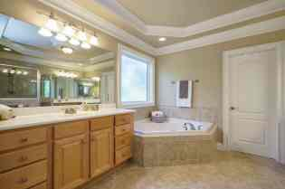 020 - 205 Settlecroft Presented by MORE Real Estate_Master Bathroom
