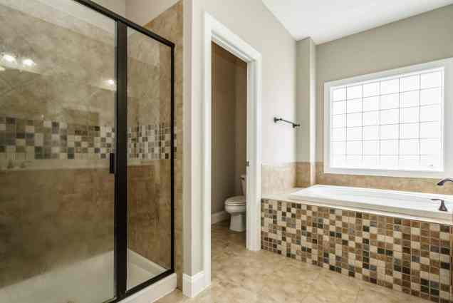 024 - 201 Powers Ferry Presented by MORE Real Estate_Master Bathroom