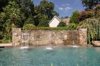 038 - 205 Settlecroft Presented by MORE Real Estate_Pool