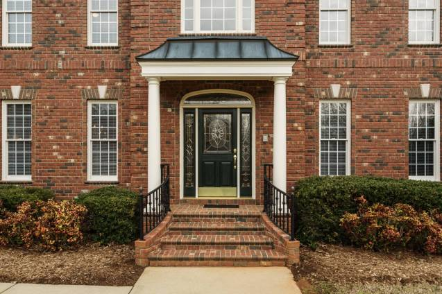 002_2708 Rolling Oaks Lane_ Presented by MORE Real Estate_Front Porch