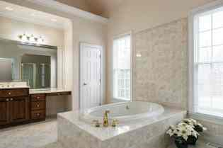 022_2708 Rolling Oaks Lane_ Presented by MORE Real Estate_Master Bathroom