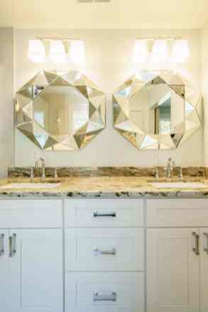 024_315 Glen Valley Presented by MORE Real Estate_ Master Bathroom