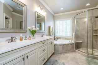 022_1029 Harpers Ridge Presented by MORE Real Estate_ Master Bathroom