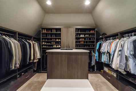 039_101 Marseille Place Presented by MORE Real Estate_ HIs closet