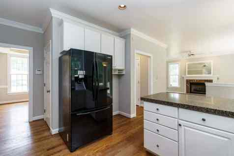 013_4325 Belnap Drive Presented by MORE Real Estate_ Kitchen