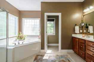 020_424 Waverly Hills Drive Presented by MORE Real Estate_ Master Bathroom