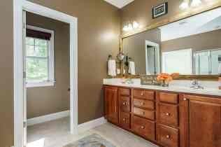021_424 Waverly Hills Drive Presented by MORE Real Estate_ Master Bathroom