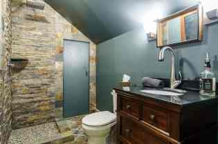 031_424 Waverly Hills Drive Presented by MORE Real Estate_ Bathroom