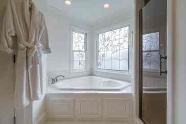029 Stonehenge Beaut on Riddle Place presented by MORE Real Estate Group_ Master Bathroom