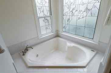 030 Stonehenge Beaut on Riddle Place presented by MORE Real Estate Group_ Master Bathroom