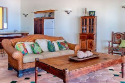 belize-luxury-beachfront-villa-living-room1-770x386