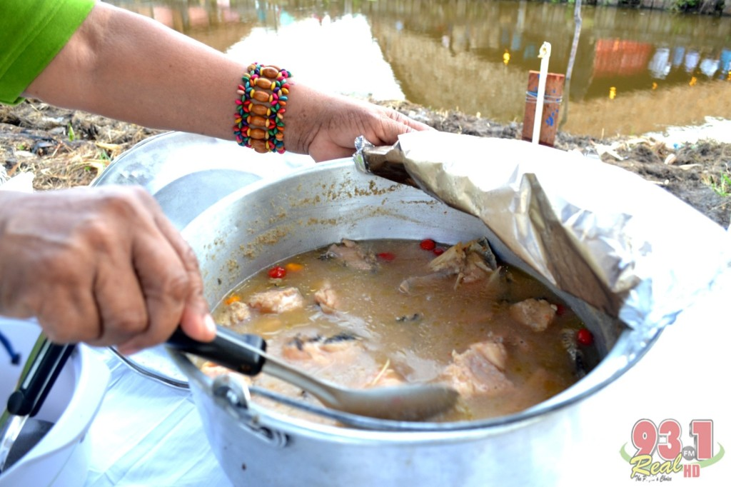 The Tuma Pot. Here , the Haimarra fish is being sold from the pot. The meal is one of the more nationally known dish of the Amerindians.