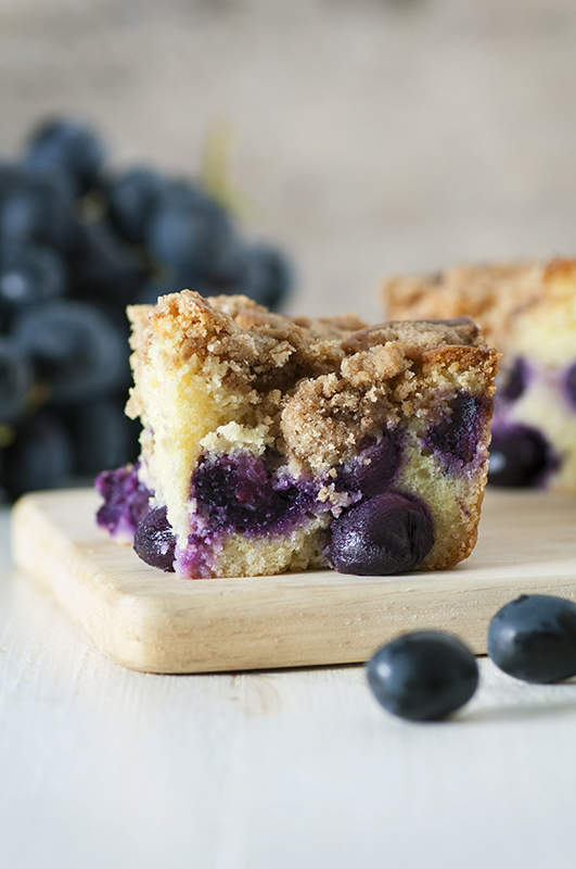 A Visual Guide to Grapes l black muscato grapes buckle coffee cake