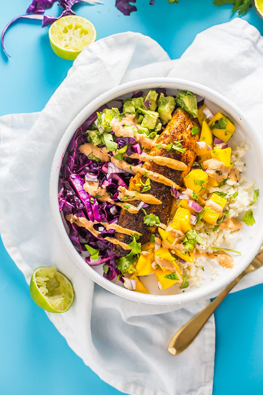 The Best of Whole30 Recipe Roundup l fish taco bowls with mango salsa