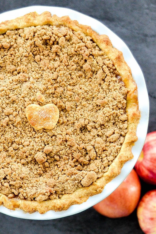 20+ Amazing Apple Recipes for Fall l the best apple crumble pie recipe