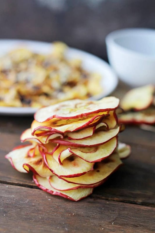 20+ Amazing Apple Recipes for Fall l apple chips