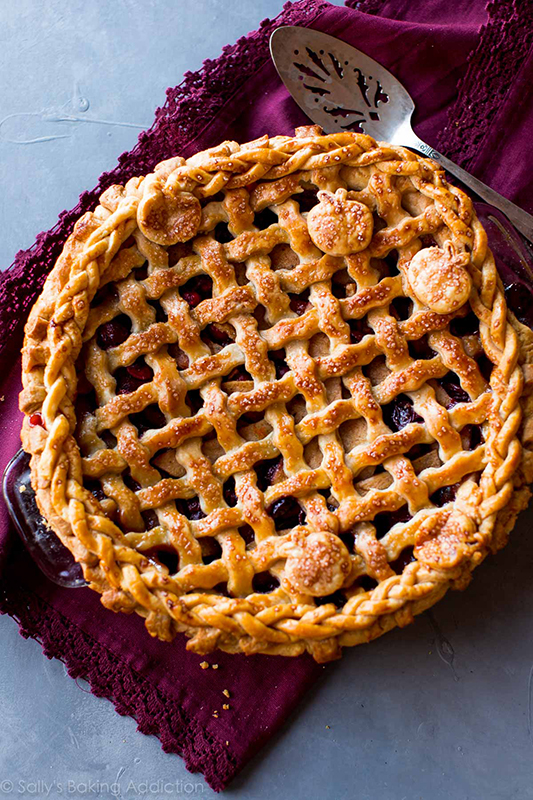 Healthy Thanksgiving Sides Recipe Roundup l apple cranberry pie