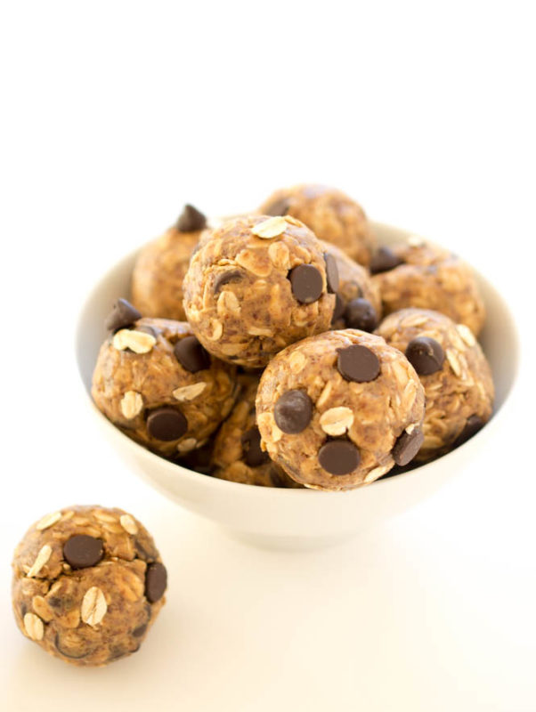 5 ingredient energy bites with peanut butter and chocolate chips