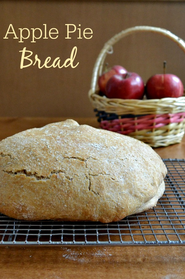 This no-knead apple pie bread is a delicious, healthy snack recipe that has the warm flavor of pie. It's a great addition to the Thanksgiving table.