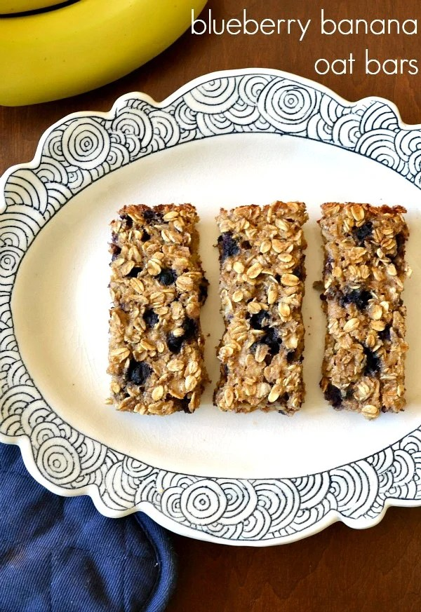 These healthy, soft blueberry banana oat bars are a delicious gluten-free snack or breakfast on the go. This healthy recipe make your house smell amazing!