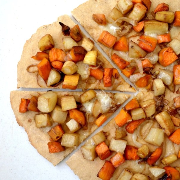 This healthy roasted vegetable pizza is a delicious way to use fresh produce from the farm. Kids and adults love this recipe for lunch or dinner.