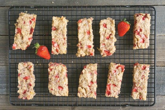 Strawberry granola bars are so healthy and delicious!