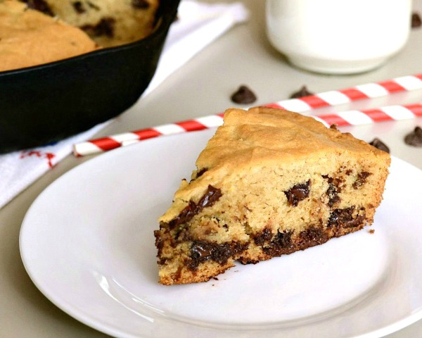 Skillet chocolate chip cookie, a healthy chocolate recipe