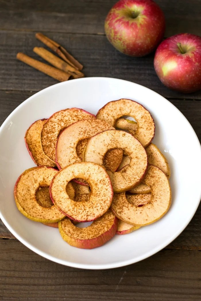 These homemade apple chips are a delicious snack, and they're so easy to make! This healthy recipe is a great alternative to packaged chips. Recipe via realfoodrealdeals.com