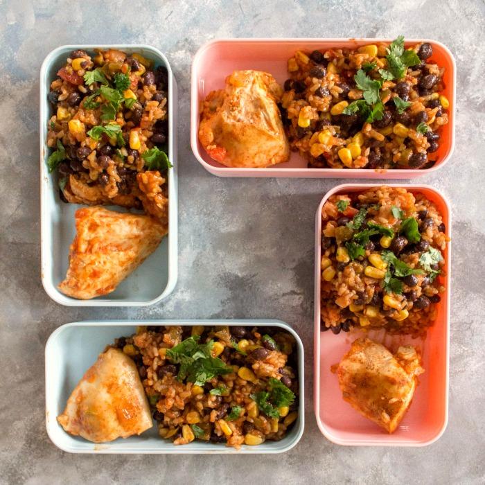 Instant Pot chipotle chicken burrito bowls
