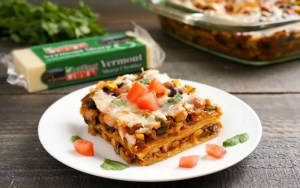This vegetarian enchilada casserole is such an easy dinner recipe!