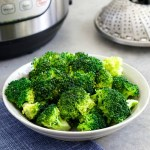 This Instant Pot broccoli recipe makes it so easy to steam broccoli in a pressure cooker.
