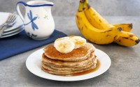 These vegan banana oat pancakes are a delicious gluten-free breakfast.