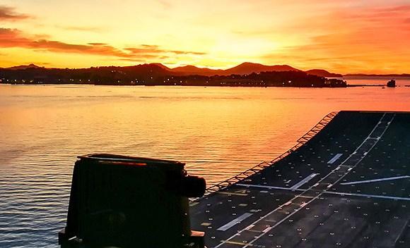 LA ORACIÓN DE LA NOCHE: Una de las canciones más bellas de la Armada