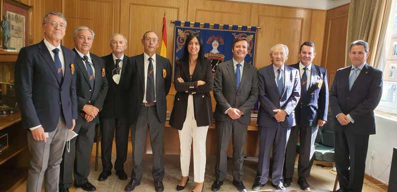 65ymás visita la Real Hermandad de Veteranos de las Fuerzas Armadas y de la Guardia Civil