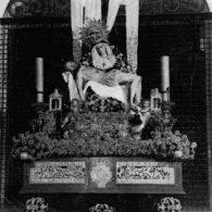 Salida de Santa Isabel con el paso de Rosario santa catalina