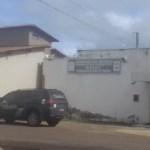 Bandidos assaltam 10 pessoas em uma residência na cidade de José de Freitas e obrigam homens ficarem só de cueca