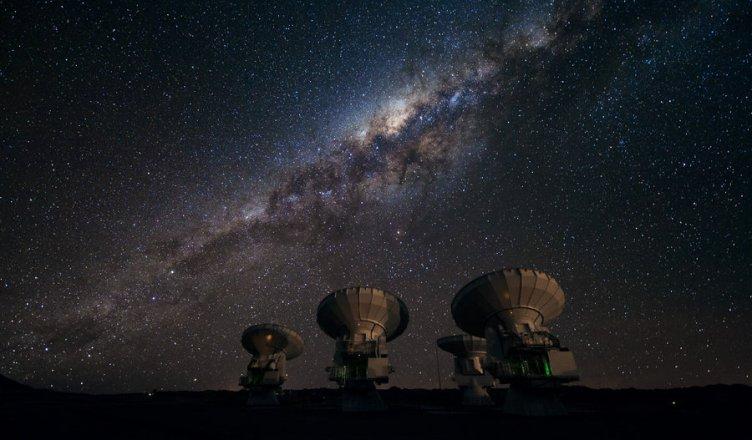 Há vida fora da Terra? ou estamos sozinhos no Universo?
