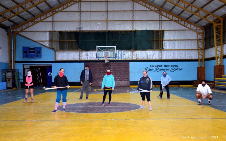Vuelve el Hockey de Salón al Chango Soria con un equipo femenino fusión
