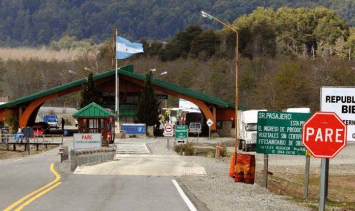 El Gobierno nacional prorrogó este sábado hasta el próximo 21 de mayo el cierre de las fronteras para el turismo